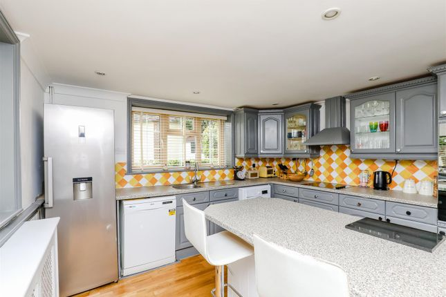Kitchen of Coombes Road, Lancing BN15