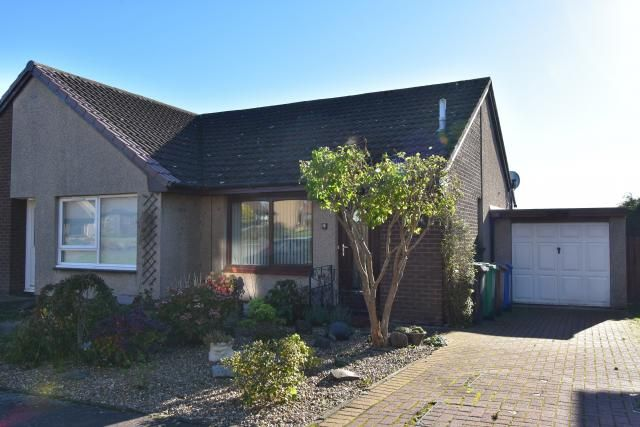 Thumbnail Bungalow for sale in 4 Morlich Place, Dalgety Bay