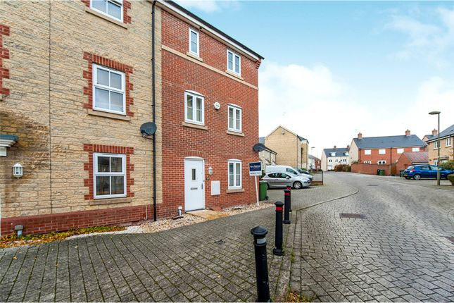 Thumbnail End terrace house for sale in Palmer Road, Faringdon, Oxfordshire