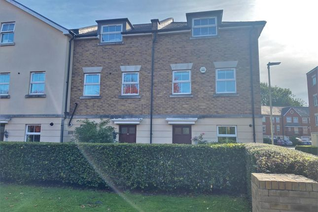 4 bed terraced house to rent in Brookbank Close, Cheltenham GL50