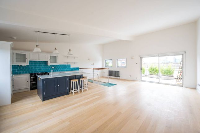 Thumbnail Flat to rent in Sunlight Square, Bethnal Green, London