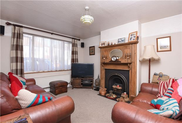 Thumbnail Terraced house for sale in Rosemead Avenue, Mitcham, Surrey