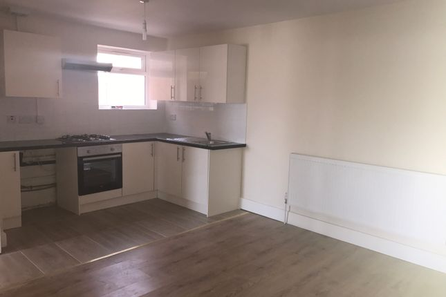 Thumbnail Terraced house to rent in Mead Way, Bushey
