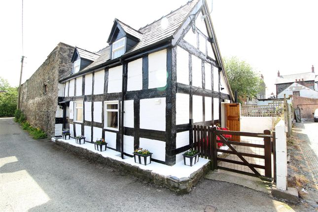 Thumbnail Cottage for sale in Bridge Street, Llanfyllin