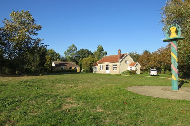 Thumbnail Detached bungalow for sale in Diss Road, Burston, Diss