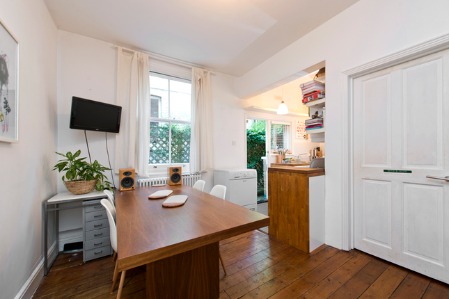 2 bed flat for sale in Sydney Road, London