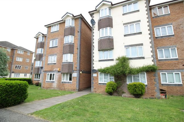 Thumbnail Flat for sale in Scotland Green Road, Enfield, Middlesex