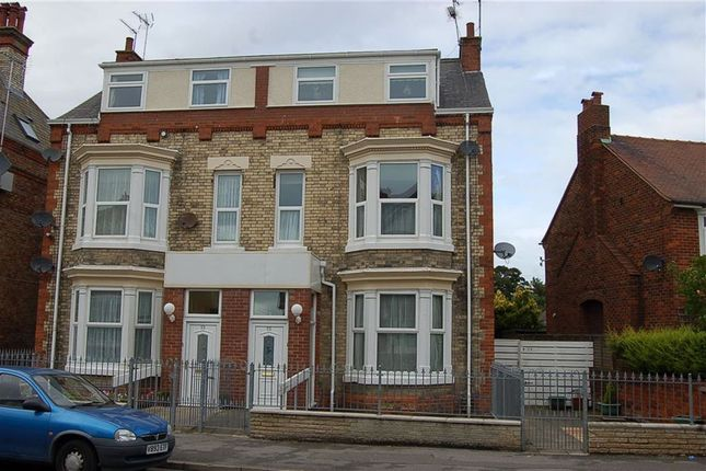 Thumbnail Flat to rent in Victoria Road, Bridlington, East Yorkshire