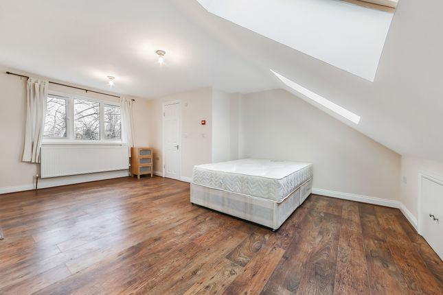 Thumbnail Town house to rent in Ambassador Square, London E14, Isle Of Dogs, Canary Wharf, Docklands,