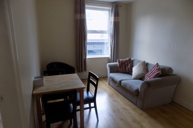 Thumbnail Shared accommodation to rent in Hickmott Road, Sheffield