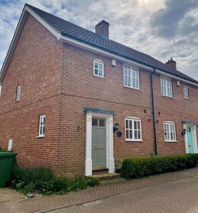 3 bed property to rent in Porterbush Road, Mulbarton, Norwich NR14