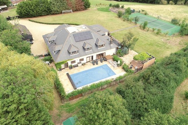 Thumbnail Detached house for sale in Watton At Stone, Nr. Hertford, Hertfordshire