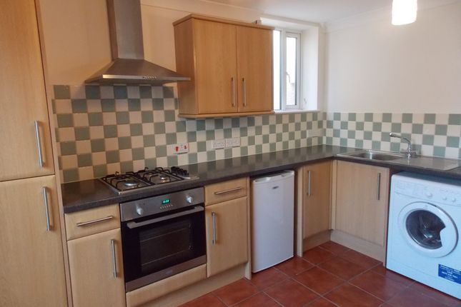Thumbnail Flat to rent in Polkyth Road, St Austell, Cornwall