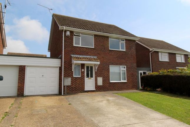 Thumbnail Detached house to rent in Laburnum Crescent, Kirby Cross, Frinton-On-Sea