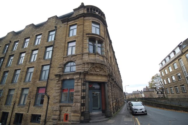 Thumbnail Flat for sale in Grattan Road, Bradford