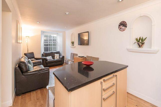 Thumbnail Flat to rent in Albany Street, New Town, Edinburgh