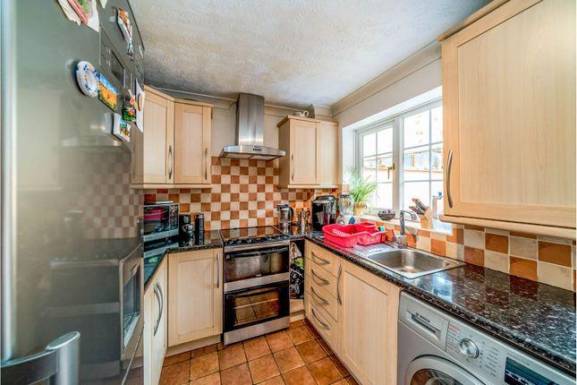 Kitchen of Badgers Meadow, Aylesbury HP22