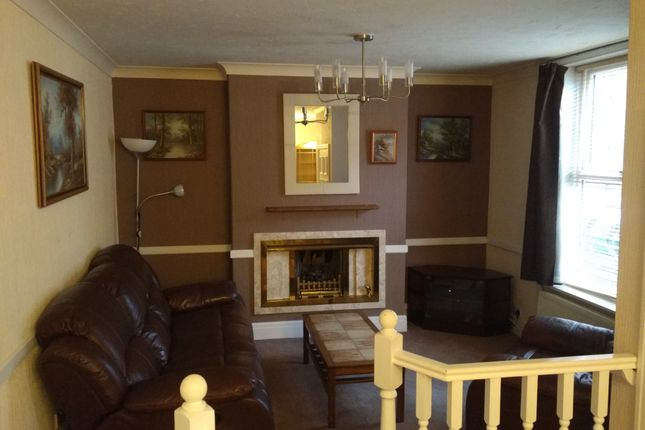 Thumbnail Terraced house to rent in Kenmure Place, Preston