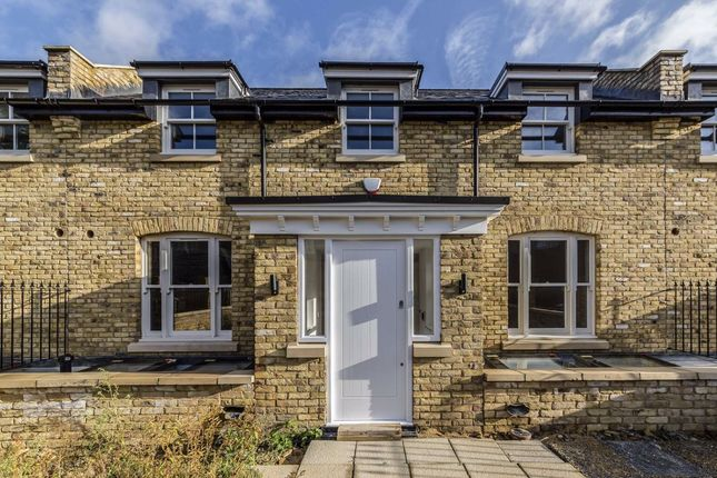 Thumbnail Terraced house for sale in Park Lane, Richmond