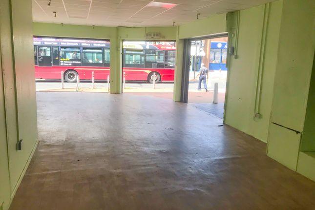 Thumbnail Retail premises to let in Cradley Heath, West Midlands