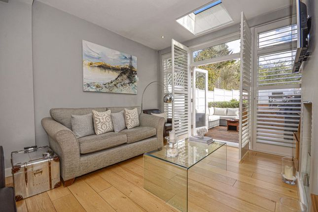 Thumbnail Property to rent in Barnard Hill, London