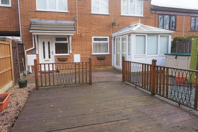 Thumbnail Terraced house to rent in Green Farm Close, Chesterfield