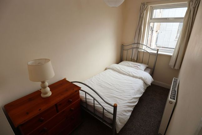 Bedroom of Paradise Street, Macclesfield SK11