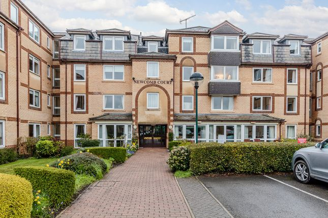 Flat for sale in Newcomb Court, Stamford