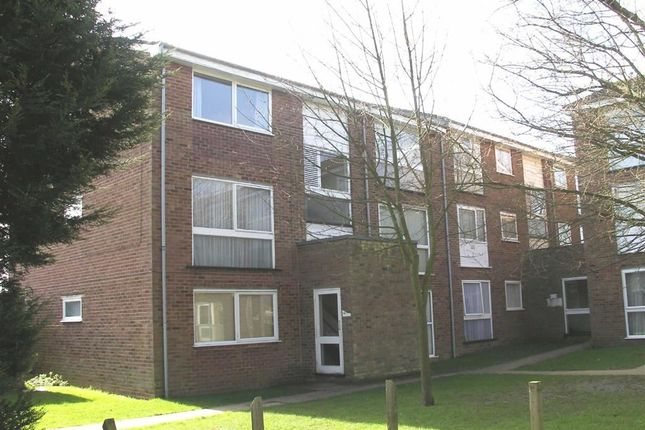 Thumbnail Flat to rent in Burns Drive, Hemel Hempstead