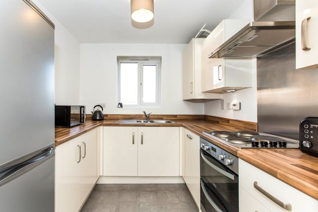 Thumbnail Flat for sale in Delphinium Court, Eynesbury, St Neots