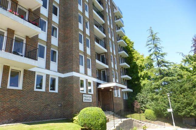 2 bed property to rent in Preston Grange, Grange Close, Brighton