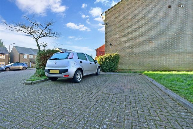 Driveway/Parking of Goddards Close, Cranbrook, Kent TN17