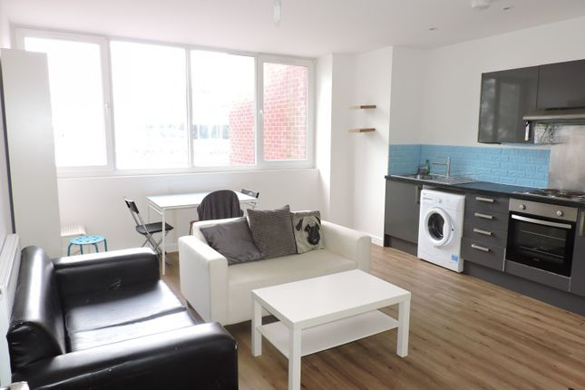 Thumbnail Flat to rent in Arundel Street, Portsmouth