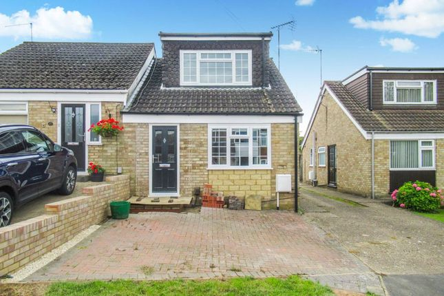 2 bed semi-detached bungalow to rent in Wantage Road, Irchester, Northamptonshire NN29
