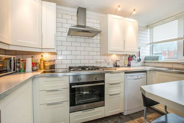 Thumbnail Flat to rent in Master Gunner Place, London