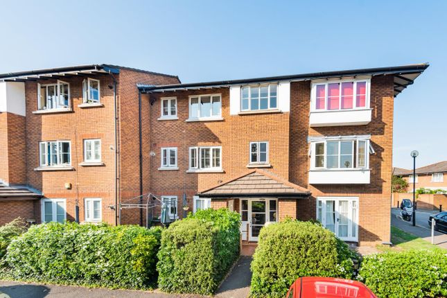 Flat for sale in Kingsworthy Close, Kingston Upon Thames