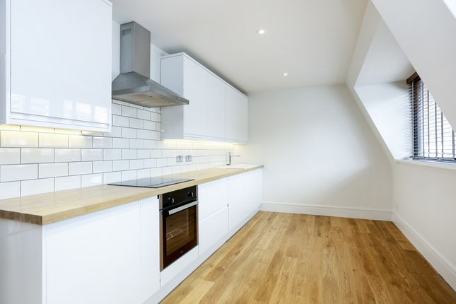 Thumbnail Flat to rent in Union Street, Kingston Upon Thames