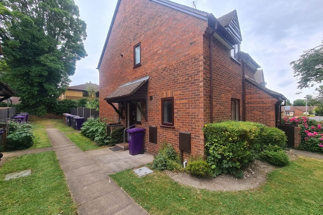 1 bed flat to rent in King James Way, Royston, Hertfordshire SG8