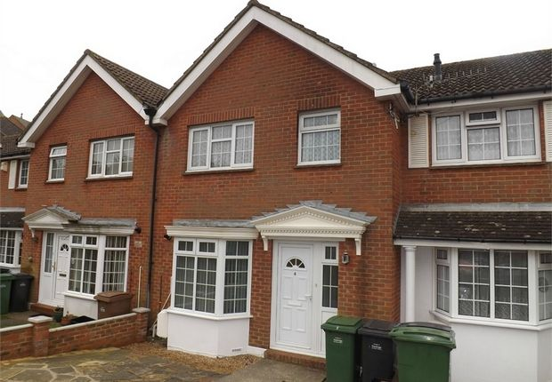 3 bed terraced house to rent in St Helens Crescent, Hastings, East Sussex