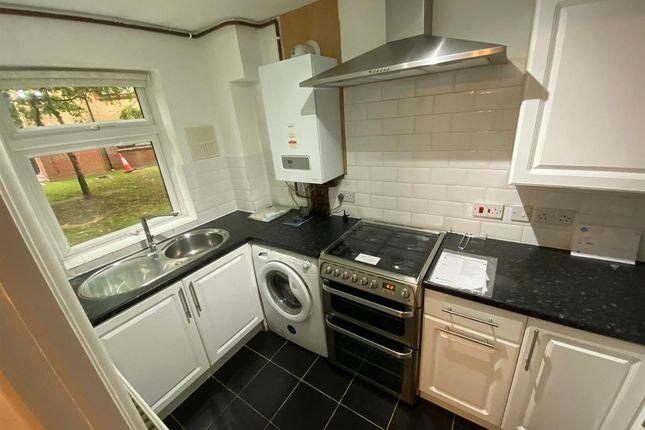 2 bed flat to rent in Flat, Northumberland Court, Duke Street, Banbury OX16