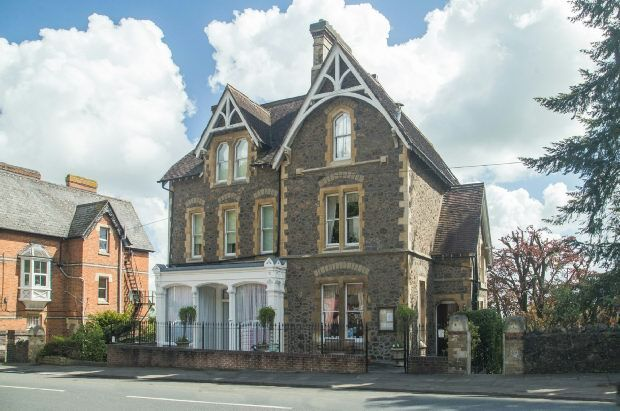 6 bed detached house for sale in Wells Road, Malvern