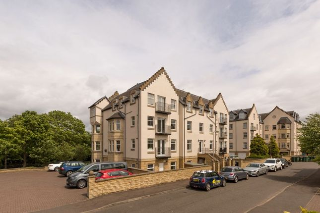 Thumbnail Flat for sale in Mid Steil, Edinburgh
