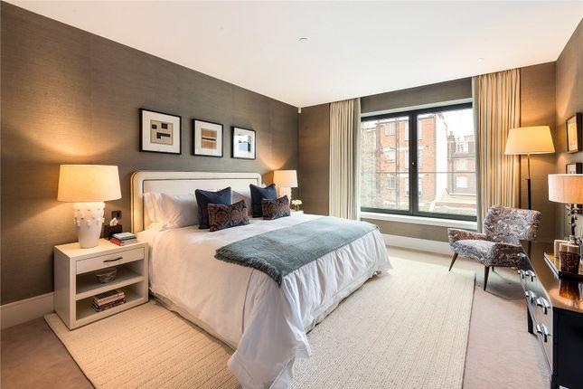 Bedroom of Sydney Street, Chelsea, London SW3