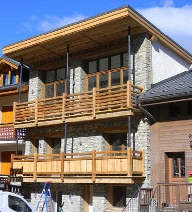 5 bed chalet for sale in Courchevel Le Praz, Savoie, Rhône-Alpes, France