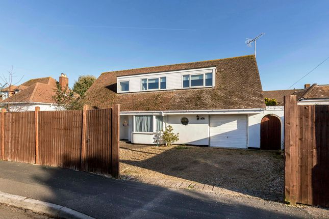 Blackthorn Road Hayling Island Hosese For Sale