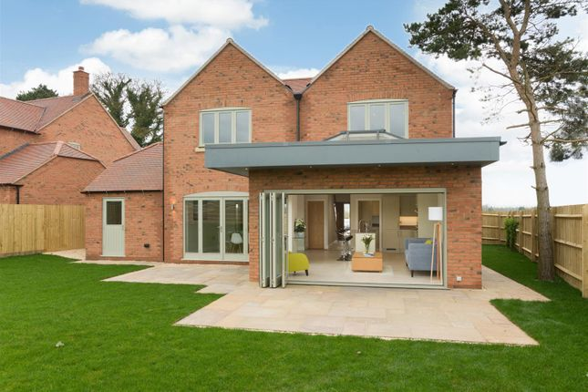 Thumbnail Detached house for sale in Goldicote Road, Loxley, Warwick