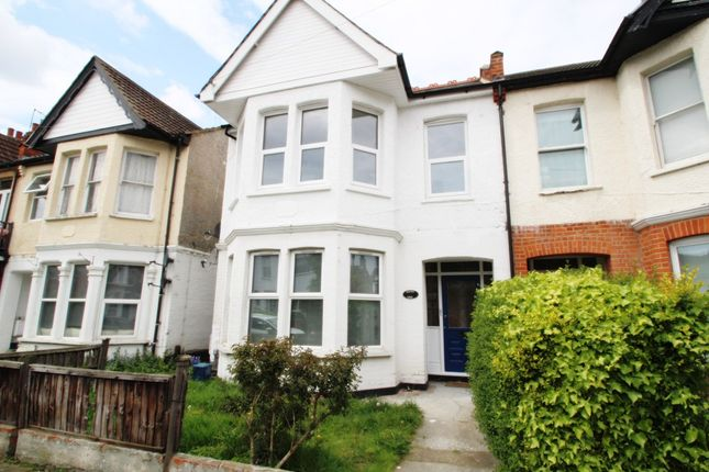Thumbnail Flat to rent in Cranley Road, Westcliff-On-Sea