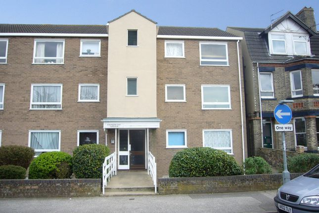 Thumbnail Flat to rent in Kensington Court, London Road South, Lowestoft
