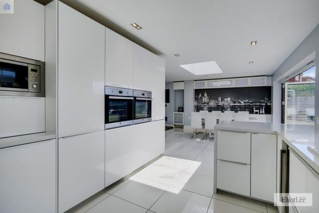 6_Kitchen-Dining Room-3
