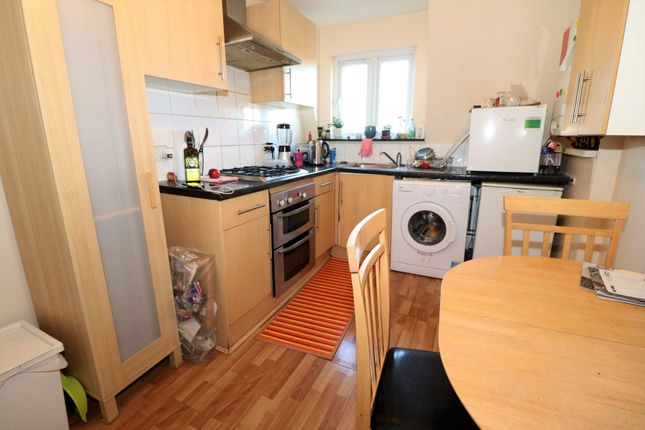 Flat to rent in Hornsey Road, London